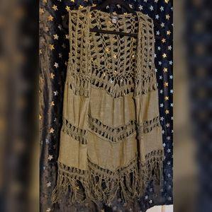 🧶 Green boho crochet fringe vest